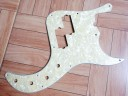 Fender Precision Bass Deluxe Pickguard Aged White Pearl